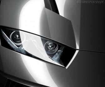 Estoque Headlight Close Up Wallpaper