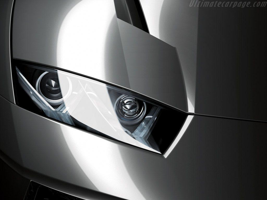 Estoque Headlight Close Up Wallpaper 1024x768
