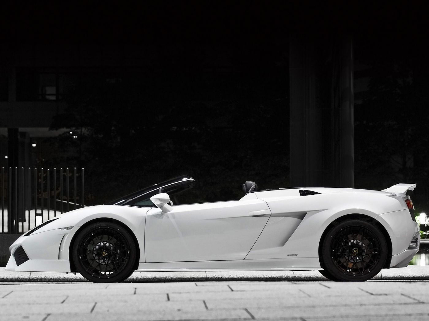 Gallardo Gt600 White Side View Wallpaper 1400x1050