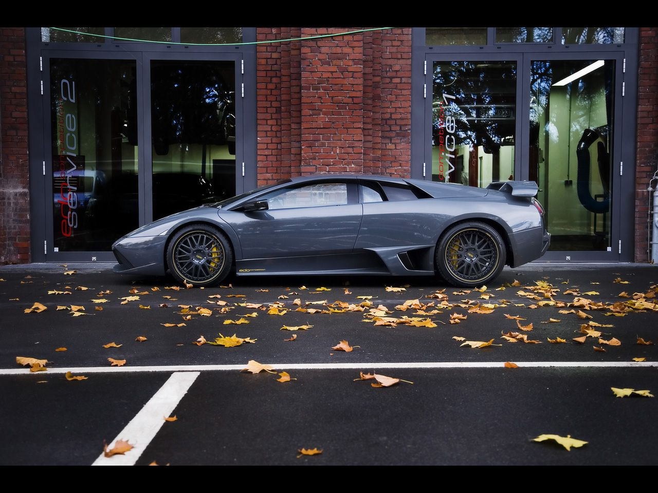 Murcielago Lp640 Competition Left Side View Wallpaper 1280x960
