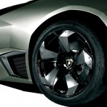 Reventon Rear Wheel Close Up Wallpaper