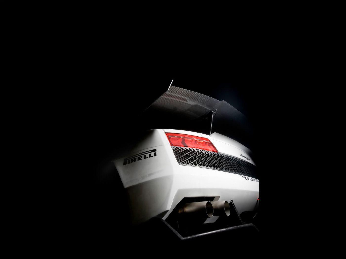 Super Trofeo White Rear View Wallpaper 1400x1050